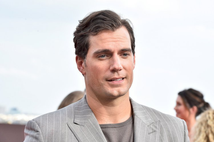 Hollywood Actor Henry Cavill to star in The Rosie Project.