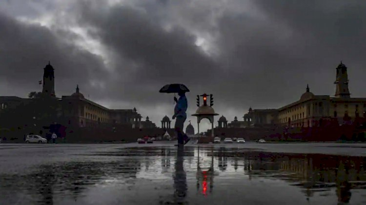 The IMD Issues Yellow Alert for Delhi-NCR, Weather to Remain Cloudy on Thursday.